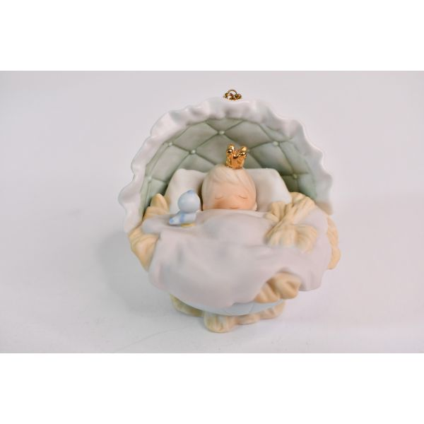 Precious Moments 2000 Let Earth Receive Her King Christmas Ornament Collectable