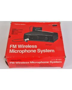 Realistic FM Wireless Microphone System 32-1221A Tie Clip Microphone 33-1052