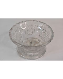 Heavy Thick Clear Cut Glass Star Design Trinket Bowl Candy Dish Home Décor